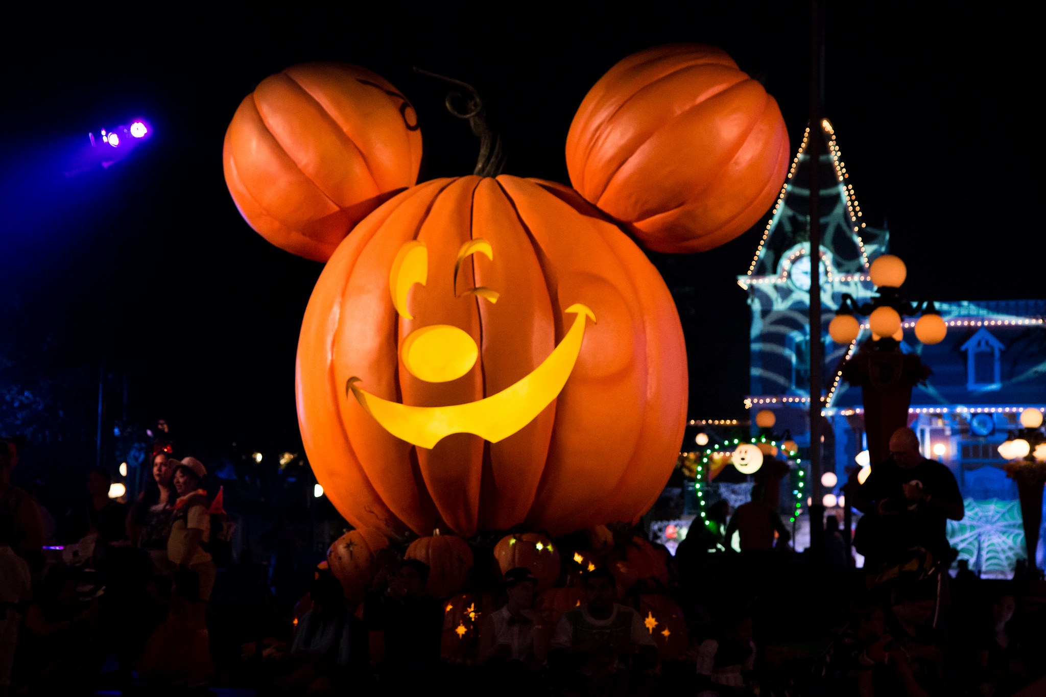 "Have a ""Spook-tacular"" Time at Mickey's Not-So-Scary Halloween ..."